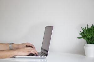 Freelance copywriter, common computer issues